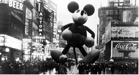 Awesome Vintage Photos from the Macy's Thanksgiving Day Parade