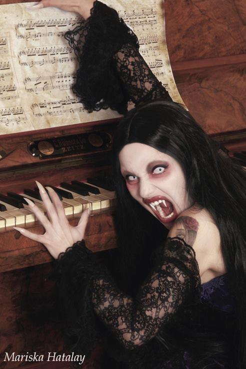 Epic Halloween Makeup Ideas  Sally! Guff - Classic Halloween Makeup