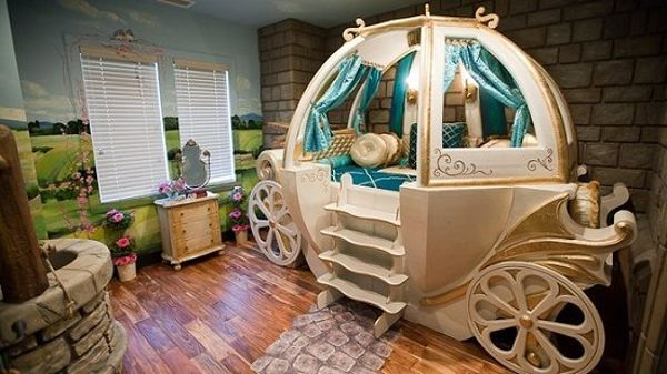 disney bedrooms that are to infinity and beyond cinderella 39 s carriage guff. Black Bedroom Furniture Sets. Home Design Ideas