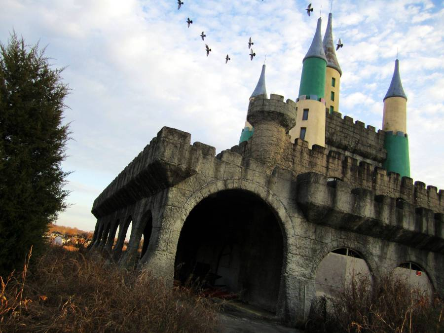 Some Of The Creepiest Abandoned Amusement Parks In North