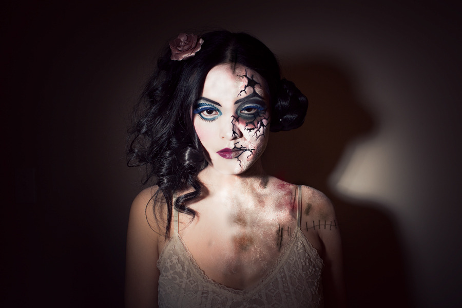 5 Awesome Zombie Makeup Tutorials. If you want detailed instructions on zombie makeup techniques, you can find loads of video tutorials online. Here are five of the best. 1. Basic Zombie Makeup Tutorial. These steps should be easy to follow for anyone who's accustomed to using standard makeup.