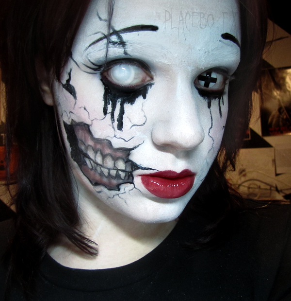 Home» Beauty» 30 Amazing DIY Halloween Makeup Tutorials That Will Make You The Hit Of The Party. Creepy Porcelain Doll Makeup Tutorial. and this makeup tutorial for an infected zombie bite will help you to play the victim really well. I think it's fascinating to create a scar with makeup and I never knew how easy it was to do so!